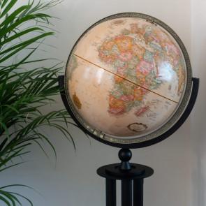 Forum Designer Globe